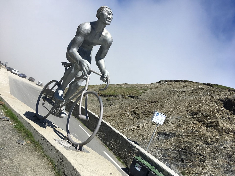 Le Geant statue of Octave Lapize on Col du Tourmalet