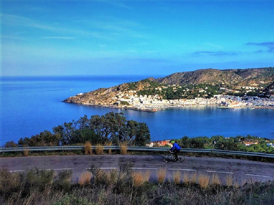 Coastal views cycling the Costa Brava