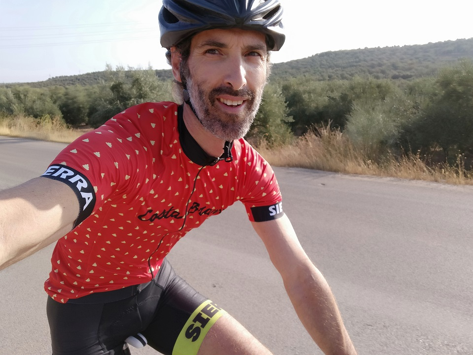 A taste of Costa Brava in our latest cycling jersey